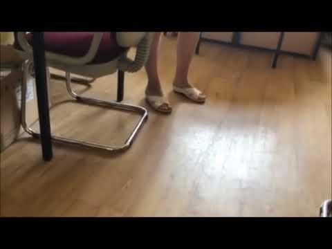 Dyrektorka wyrzuca ucznia ze szkoły za brak maseczki przed egzaminami.