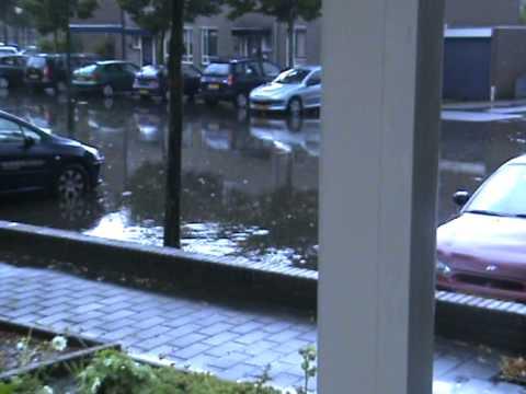 Wateroverlast in Kleefkruid Cuijk 2010