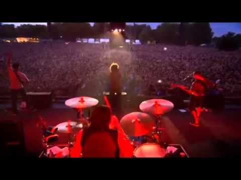 Rage Against The Machine - Testify (Live in London 2010)