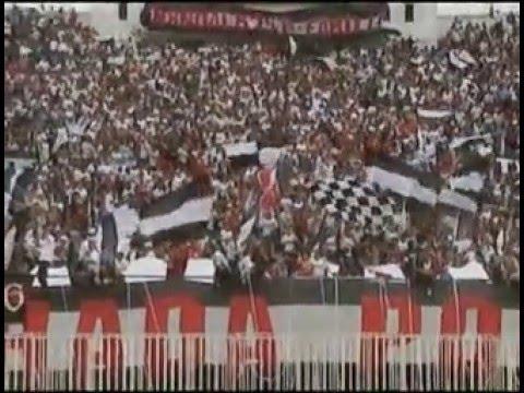 """""""GARRA BLANCA armando el carnaval! 02"""" Barra: Garra Blanca • Club: Colo-Colo • País: Chile"""