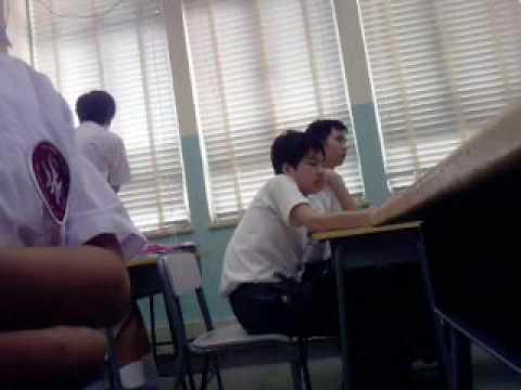 수업 시간에 교사와 홍콩 학생들의 싸움