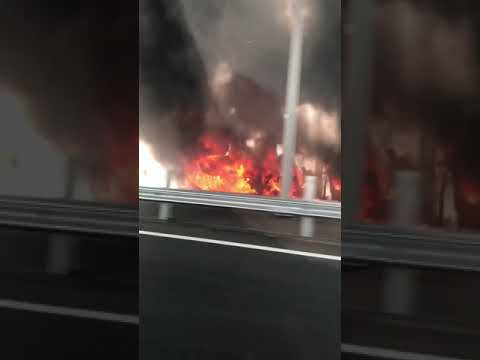 В Оренбурге на объездной дороге загорелась фура