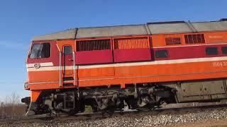Тепловоз ТЭП70-0303 с поездом Сия-Архангельск
