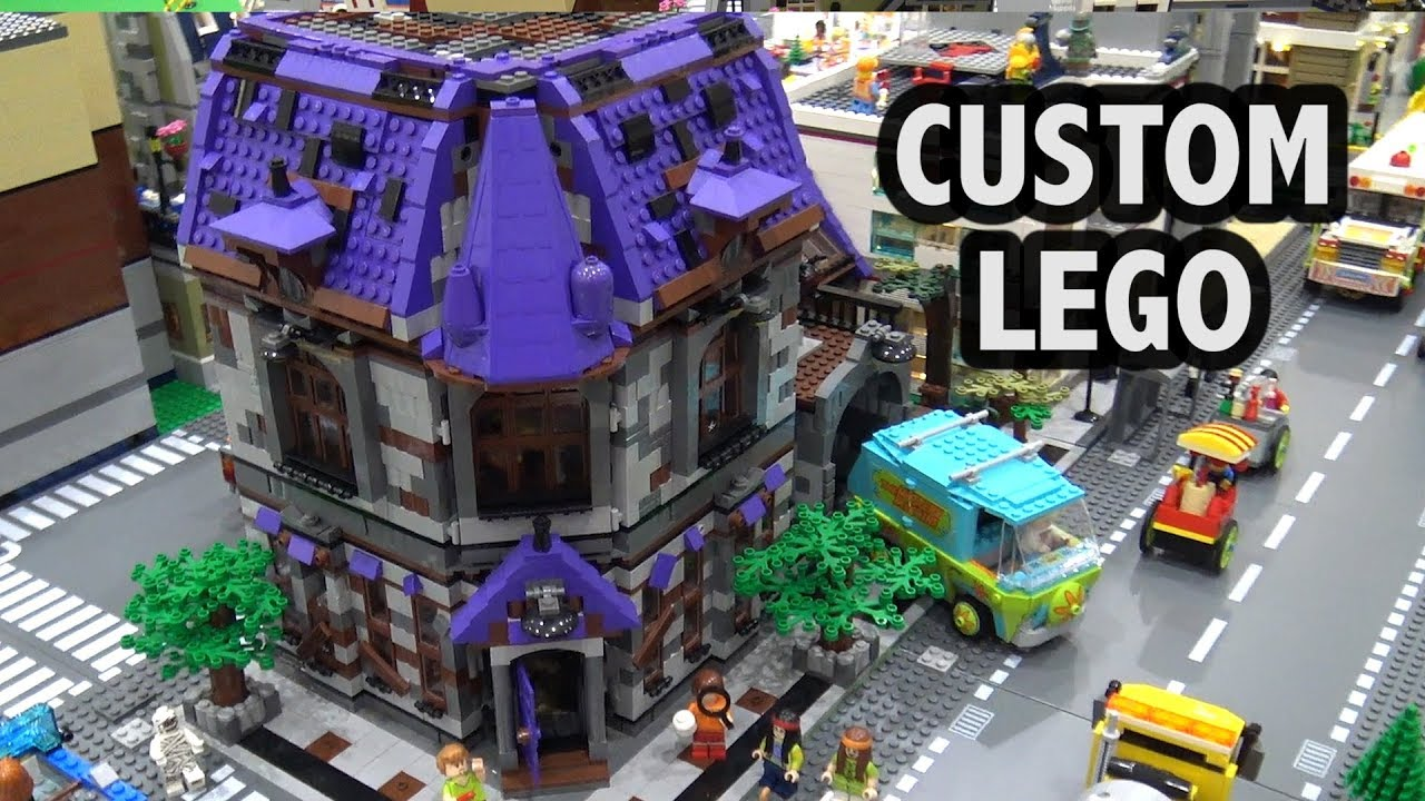 Scooby-Doo Mystery Mansion in LEGO