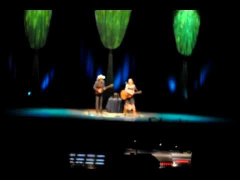 Gillian Welch and Dave Rawlings - Red Clay Halo (Live in Belfast, Ireland, Nov.2011)