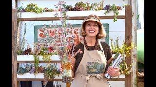 Make A Bouquet Of Succulent Blooms