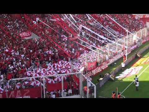 """""""Independiente vs Racing - Entra la banda del rojo"""" Barra: La Barra del Rojo • Club: Independiente"""