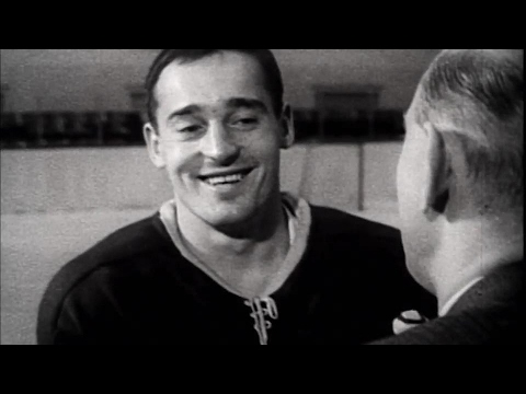 Leafs at 100: Million dollar Mahovlich