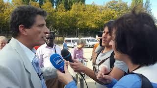Serge Federbusch à l'écoute des Parisiens lors de la Manifestation 19 octobre 2018 contre la vio