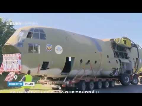 Fuselaje del C130 Hércules TC-67 fue trasportado a Pilar para hacer un monumento