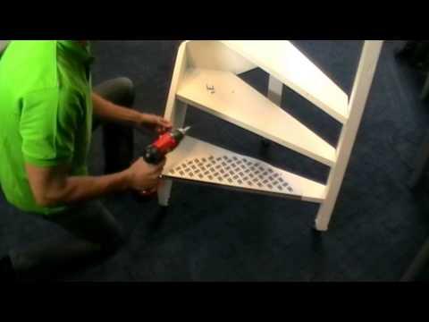 Treppen-Stufenmatten.com - Verlegen einer Vivol-Alu-Stufenmatte