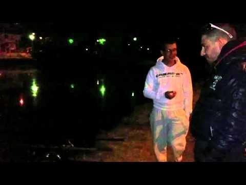 Konakovo che pesca su una pertica di picca