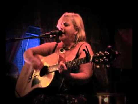 Delaney Rose 'Misty Mountain Blue' live at Velvet.mp4