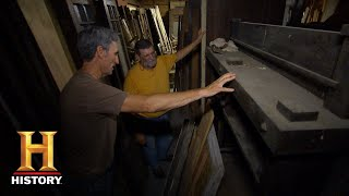 American Pickers: Mike Stands In Awe Of An Architectural Salvage (Season 18)   History