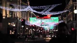 Цветное освещение лондонской улицы Oxford Street