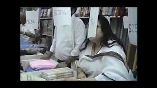 Sari Shopping thumbnail