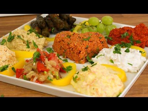 Türkische Vorspeisen Vorspeiseplatte - Hummus / Acuka / Auberginen Salat / Cerkez Tavugu