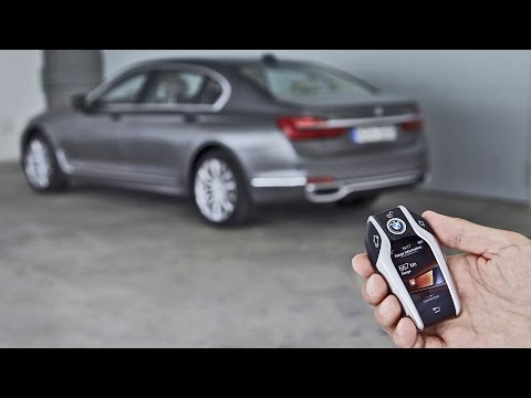 2016 BMW 7 Series - Remote Control Parking Demonstration