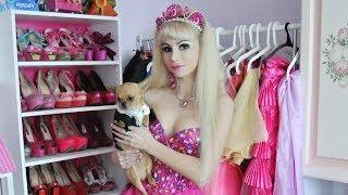 Русская Барби Таня Тузова и ее собака Барошка. Москва 24