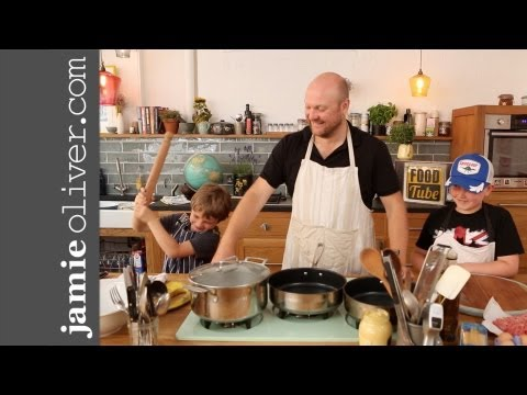 Getting kids cooking – meatballs  pasta & tomato sauce