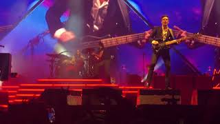 The Killers Bring Young Girl On Stage To Play Drums