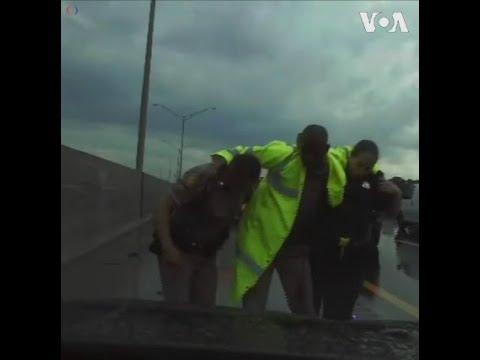 Cảnh sát giao thông thoát nạn trong chớp mắt (VOA)