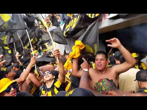 """Alto agite en el clasico 2015 ñeryyy"" Barra: Barra Amsterdam • Club: Peñarol"