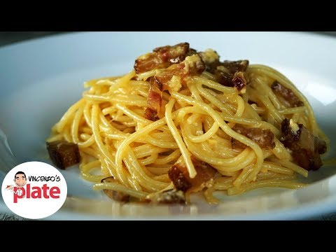 HOW TO MAKE SPAGHETTI CARBONARA | The Authentic Italian Recipe