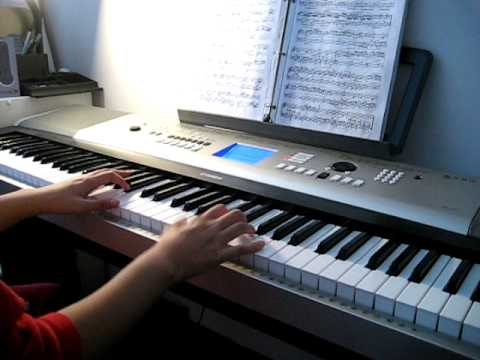 Davina plays Sonatina in G-Clementi.avi