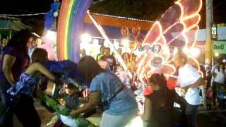 preview picture of video 'Edmarie En el carnaval de Arroyo 038.MOV'