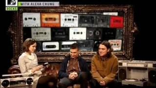 Gonzo : Alexa Chung meets Matt Helders and Nick O'Malley - Part 1/2