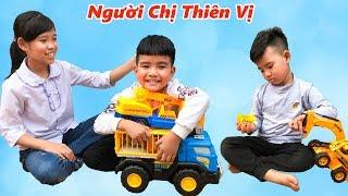 Trò Chơi Người Chị Thiên Vị - Dạy Bé Cách Yêu Thương Nhau ♥ Min Min TV Minh Khoa