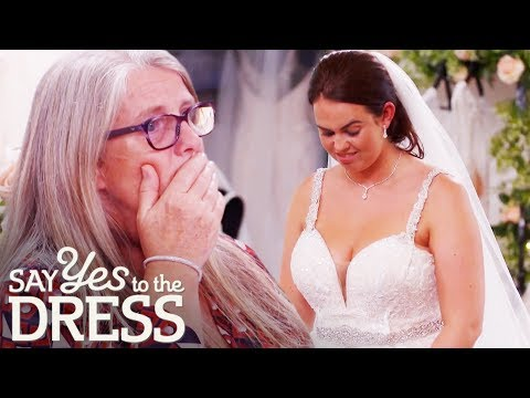Can This Bride Convince Mum That Blush Is The Colour For Her? | Say Yes To The Dress Lancashire