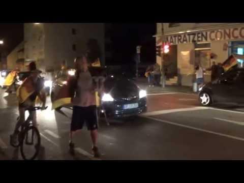 Как немцы радовались победе Германии в чемпионате мира по футболу