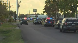 Houston police sergeant shot and killed while sitting in vehicle
