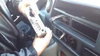 Замена лампочки подсветки панели  регуляторов  отопителя Renault Master
