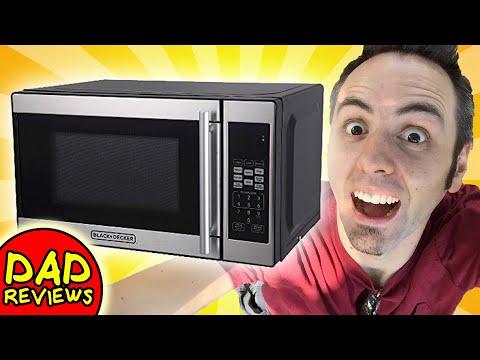 BEST SMALL MICROWAVE   BLACK+DECKER 0.7cu. ft. 700 Watt Microwave Oven Black EM720CPN-P Review