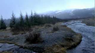 preview picture of video 'Iceland Golden Circle Road Trip - River in bad weather'