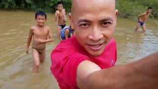 คนเบิกทาง: Explorer เด็กวังเวียง สู้ชีวิตได้ บนสายน้ำซอง