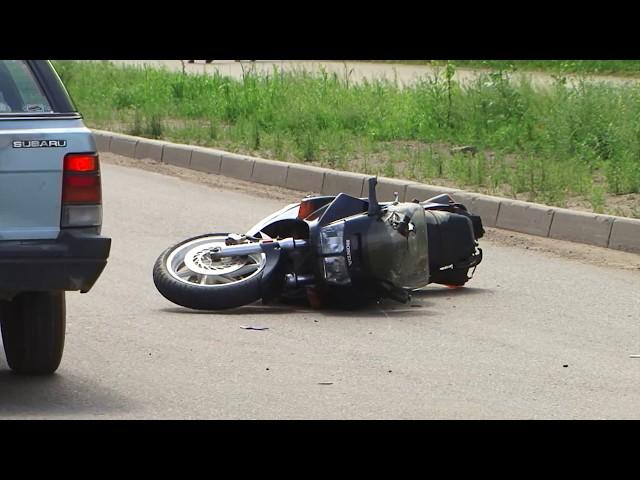 Автоледи сбила байкера