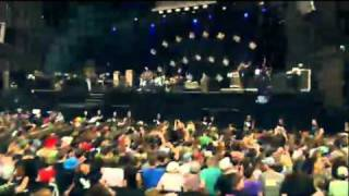 Them Crooked Vultures - Caligulove (live @ Rock Werchter 2010)