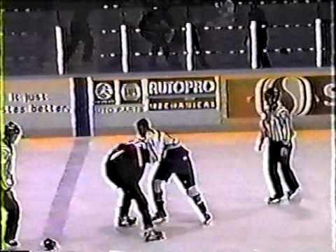 Derek Boogaard vs Matt Sommerfeld