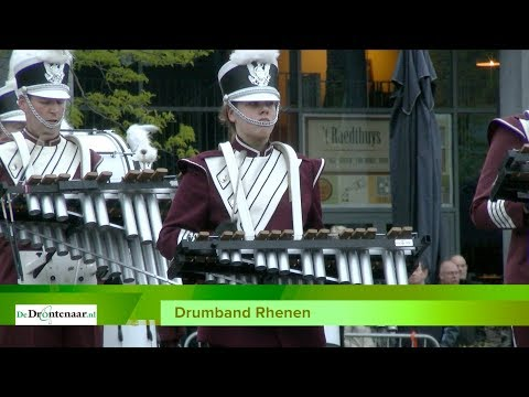 "VIDEO | Drumband met zangeres oogst lof tijdens Taptoe Dronten: ""I've got the music in me"""