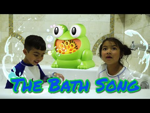 Bath Song Nursery Rhymes Kids Songs by Thalia & Milton