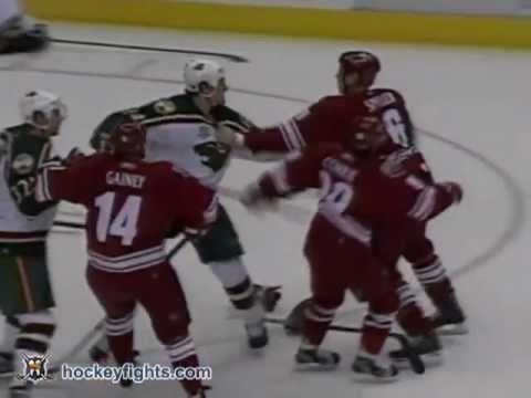 Derek Boogaard vs Matthew Spiller