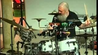 preview picture of video 'Drums - La loca historia de la batería (concierto en San Roque 19/07/2011)'