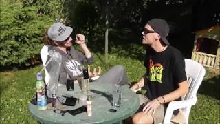 Video Vapor Guru a Colectiv degustují bylinky z vaporizérů.  Vaporizač