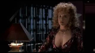 BTTF 2: Marty Stares At Mom's Boobs