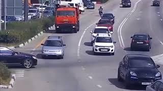 Придурки на дороге, приколы на дороге 2018 2