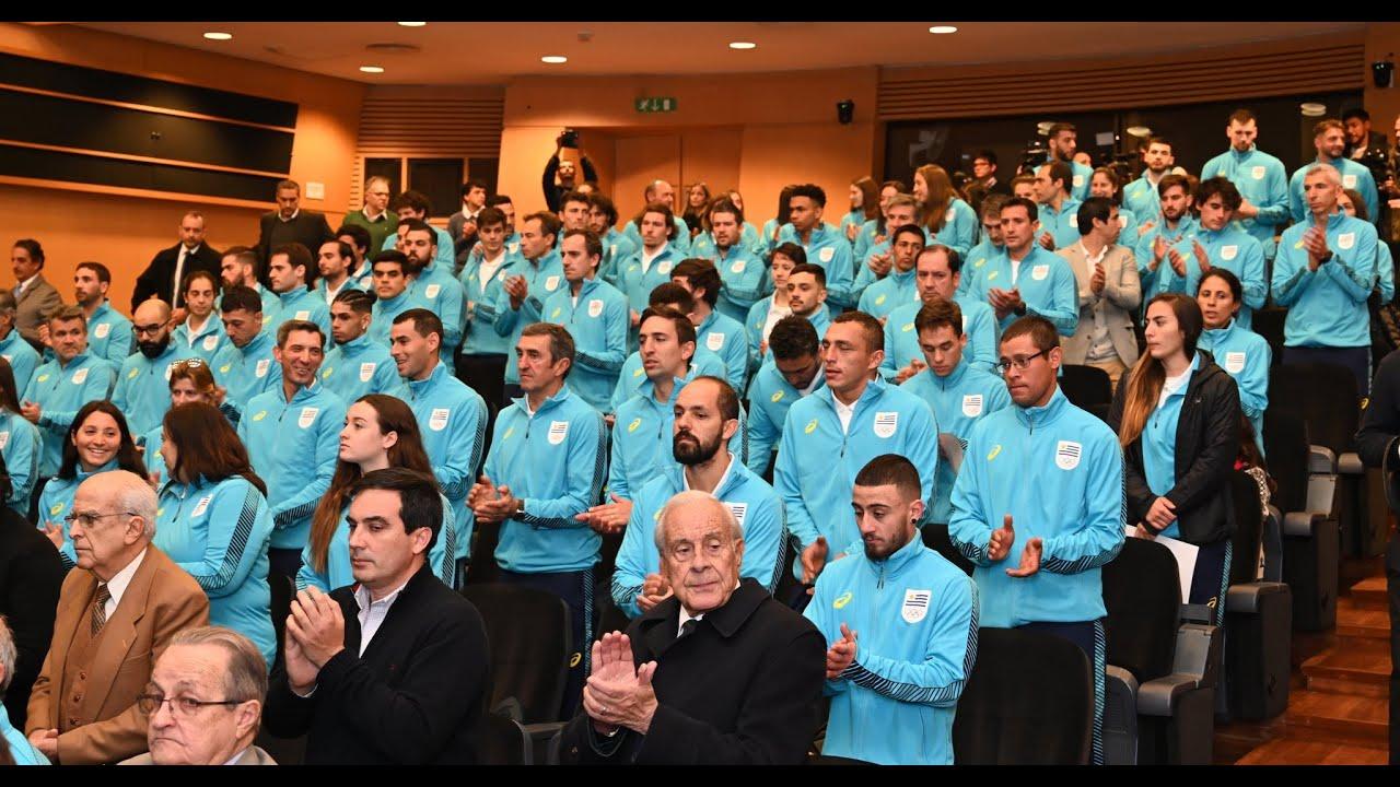 La selección panamericana estuvo presente en la entrega del Pabellón Nacional